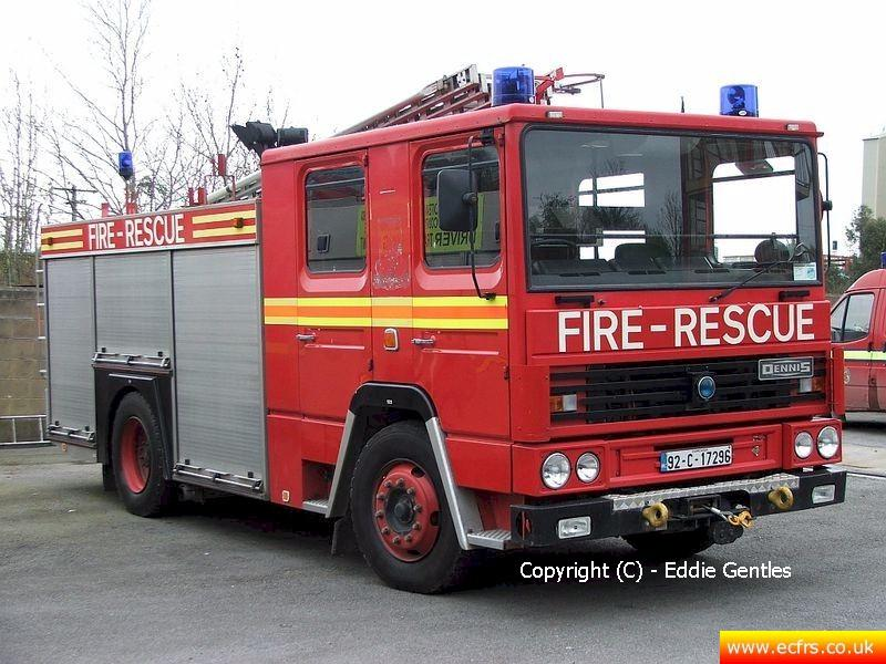 Essex FRS Dennis RS J119 UPU on the 22nd of April 2006 - Picture courtesy of Eddie Gentles