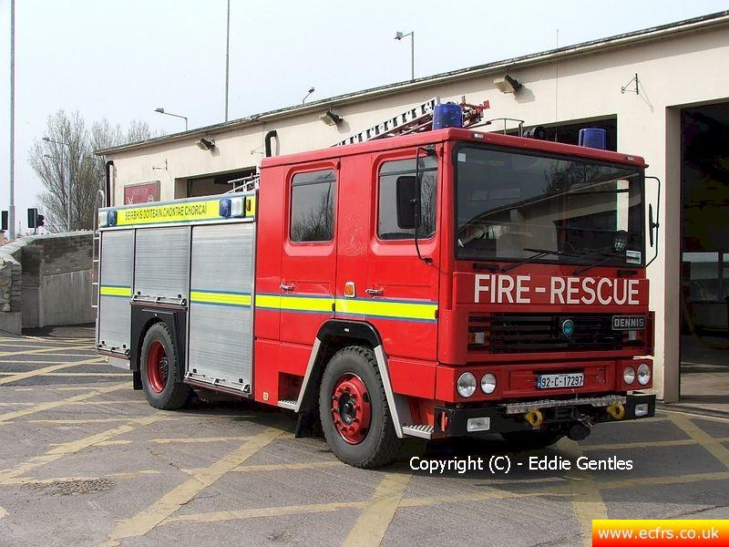 Essex FRS Dennis RS J122 UPU on the 22nd of April 2006 - Picture courtesy of Eddie Gentles