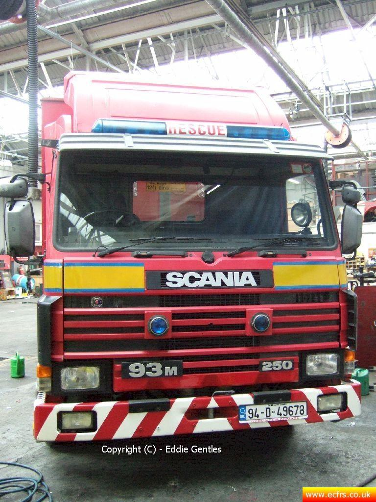 Essex FRS Scania 93M 250 L676 LOO - Picture courtesy of Eddie Gentles