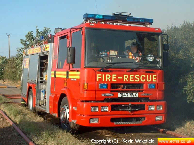 Essex FRS Dennis Sabre ML R147 WVX on the 16th of September 2007 at an incident in North Fambridge - Picture courtesy of Kevin Wakefield