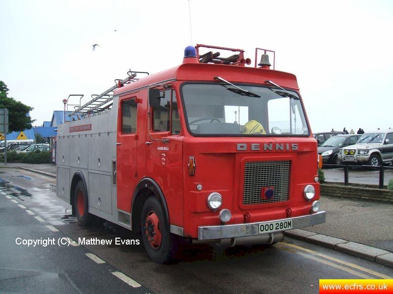 Essex FRS Dennis DJ OOO 280M on the 26th of May 2008 - Picture courtesy of Matthew Evans