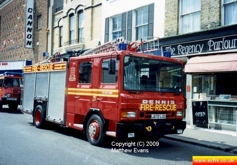 Essex FRS Dennis Rapier L672 LOO on the 7th of June 1995 at the Southend Pier fire - Picture courtesy of Matthew Evans